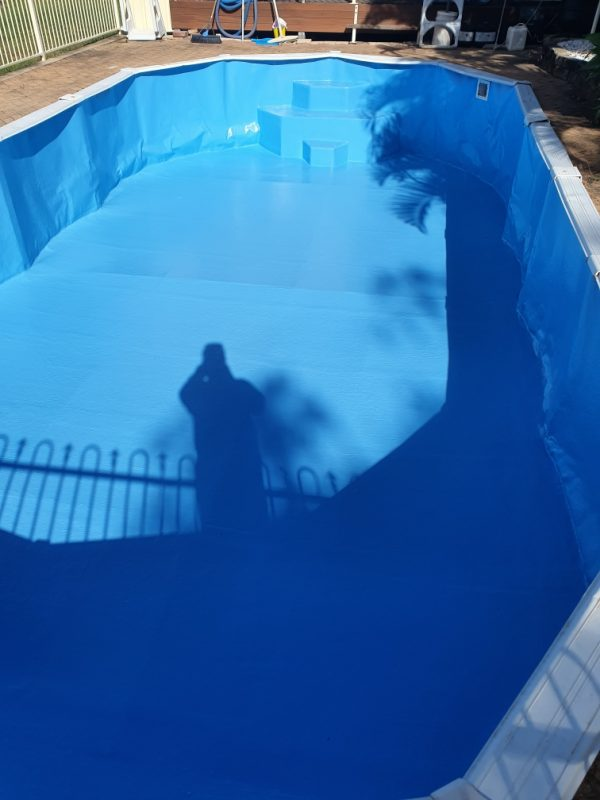 Vinyl liner swimming pool repair